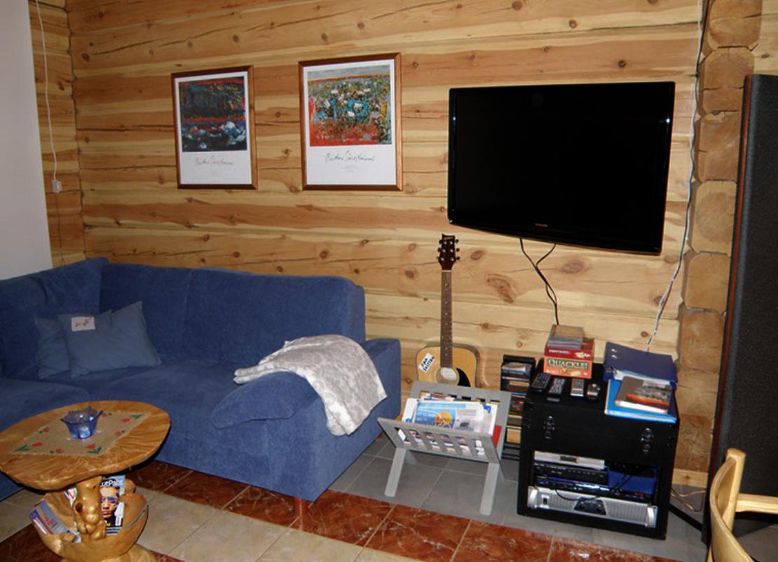 Sohvanurkkaus tv
